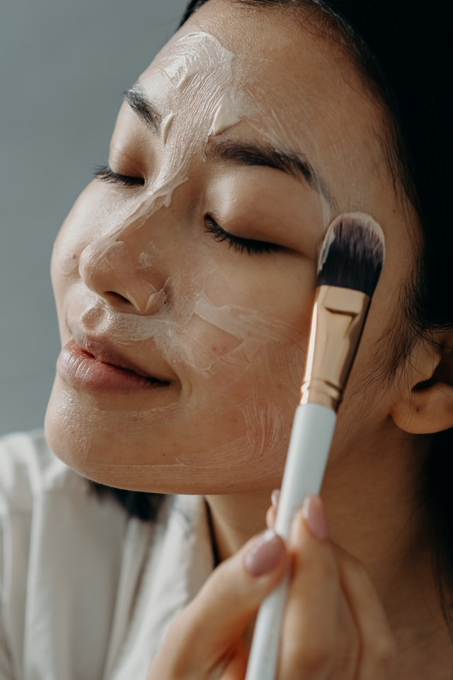 What are pores and how can i reduce them?